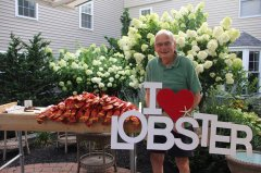 Frank with his Sign I love Lobsters!